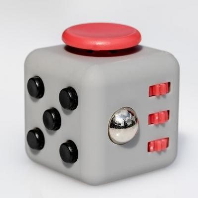 fidget-cube-2364019_960_720